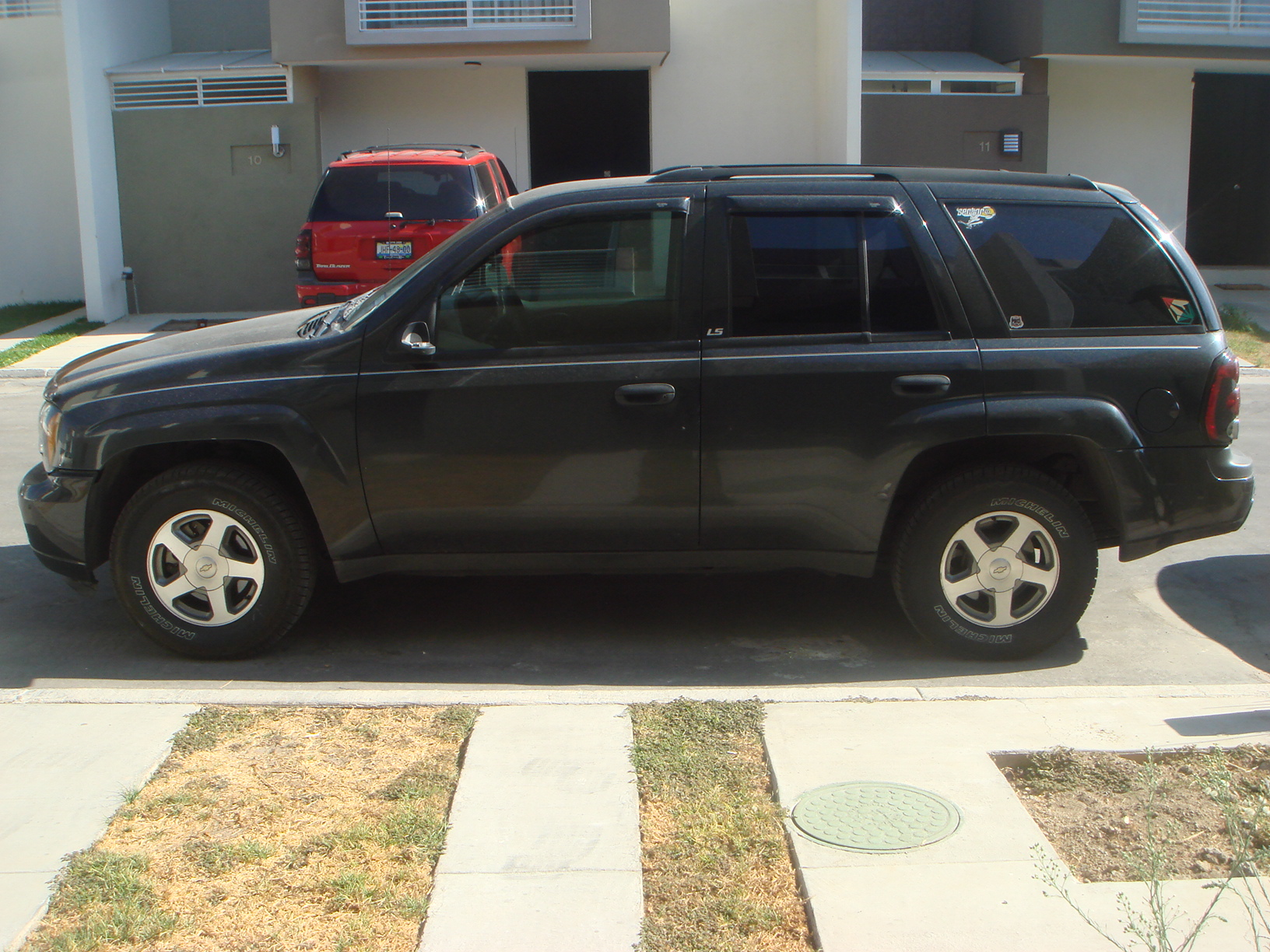 sale 2004 chevrolet trailblazer ls uag medical school classifieds. Black Bedroom Furniture Sets. Home Design Ideas