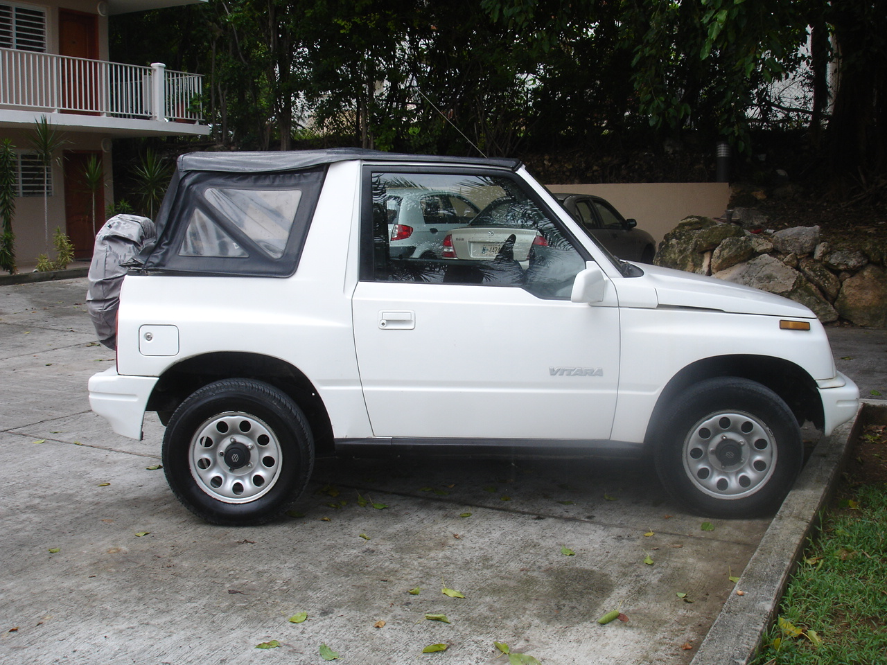 White Suzuki Vitara For Sale Auc Medical School