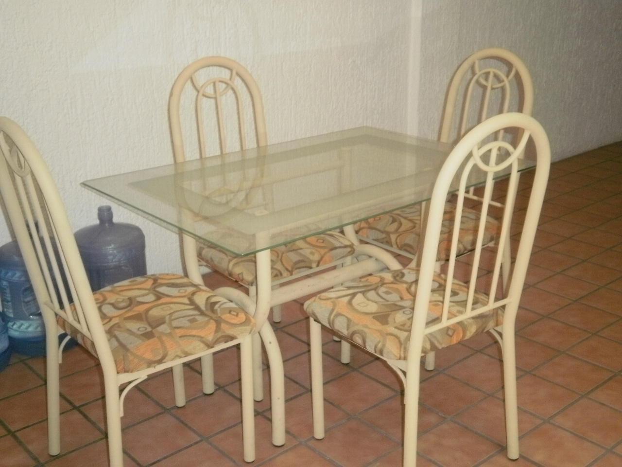 Dining Room Table And Chairs For Sale!