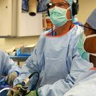 Surgeon live-streams knee repair with Google Glass - massive step forward for wearable tech.